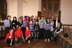 Hier sind die Preisträger des Förderpreises Münchner Lichtblicke im Jahr 2009 zu sehen
